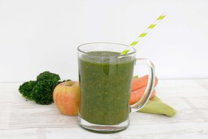 low_histamine_smoothie_apple_kale_carrot